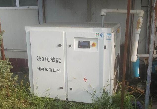多台空压机并联运行时一定要定期切换运行.
